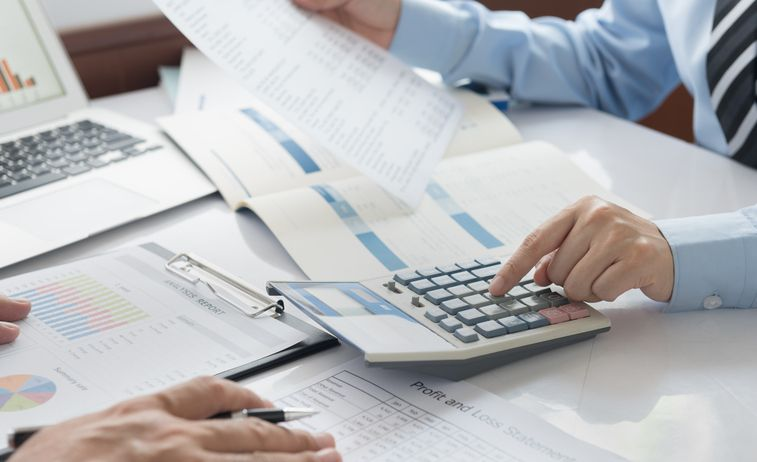 How Managerial Accounting (10th Canadian Edition) Can Impact the Firm's Payment to Its Advantage